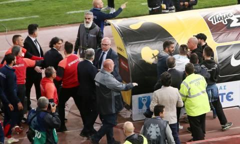AEK-Ολυμπιακός 1-0: Πανικός και ένταση με Θεοδωρίδη-Δημητριάδη στη μικτή ζώνη! (video)