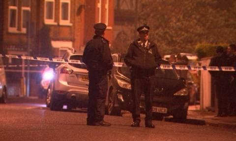 Αντιτρομοκρατική επιχείρηση στη Μεγάλη Βρετανία με πυροβολισμούς και συλλήψεις