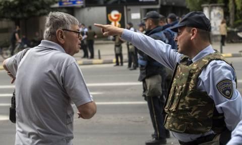 Στρατιωτικοποιημένη ζώνη τα Σκόπια – Φόβοι για νέα επεισόδια το απόγευμα