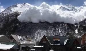 Παραλίγο τραγωδία: Κάμερα κατέγραψε χιονοστιβάδα στο υψηλότερο σημείο της Ευρώπης (vid)