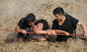 Δραματικές εικόνες στο Περού: Τουλάχιστον 133 νεκροί από πλημμύρες (Vids)