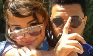 Couplegoals: Δες τη Selena Gomez να χορεύει και να τραγουδά κομμάτια του αγαπημένου της Weeknd
