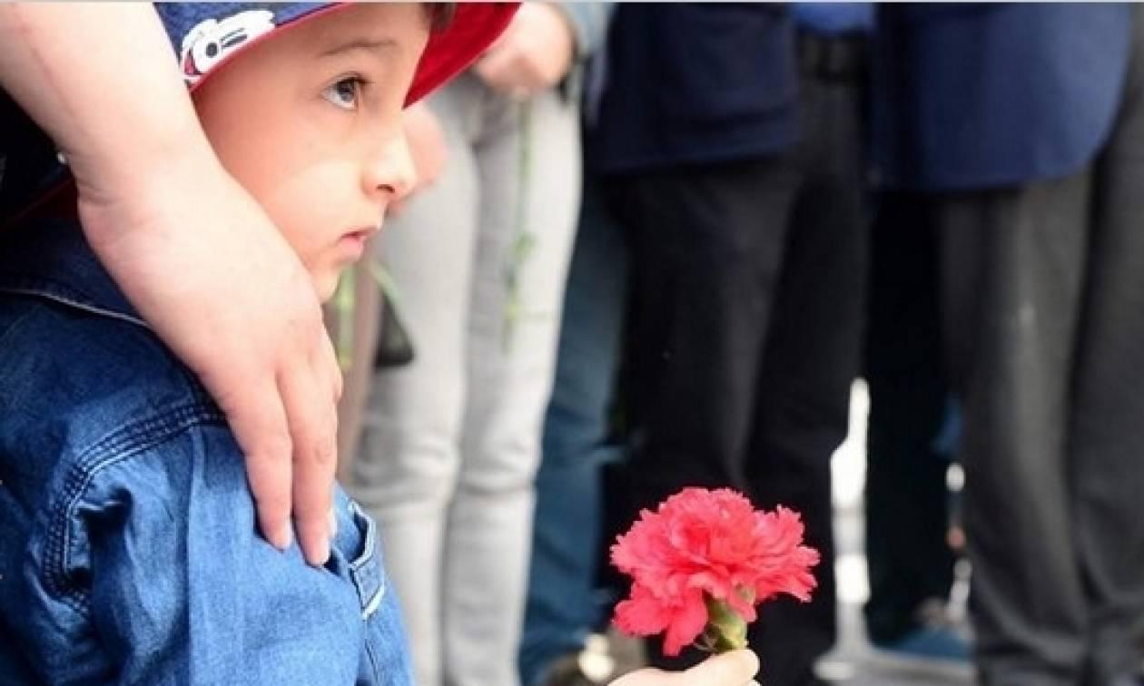 Πρωτομαγιά 2017 - Κωνσταντινούπολη: «Ζήτω η Πρωτομαγιά, όχι στον δικτάτορα Ερντογάν» (Pics+Vids)