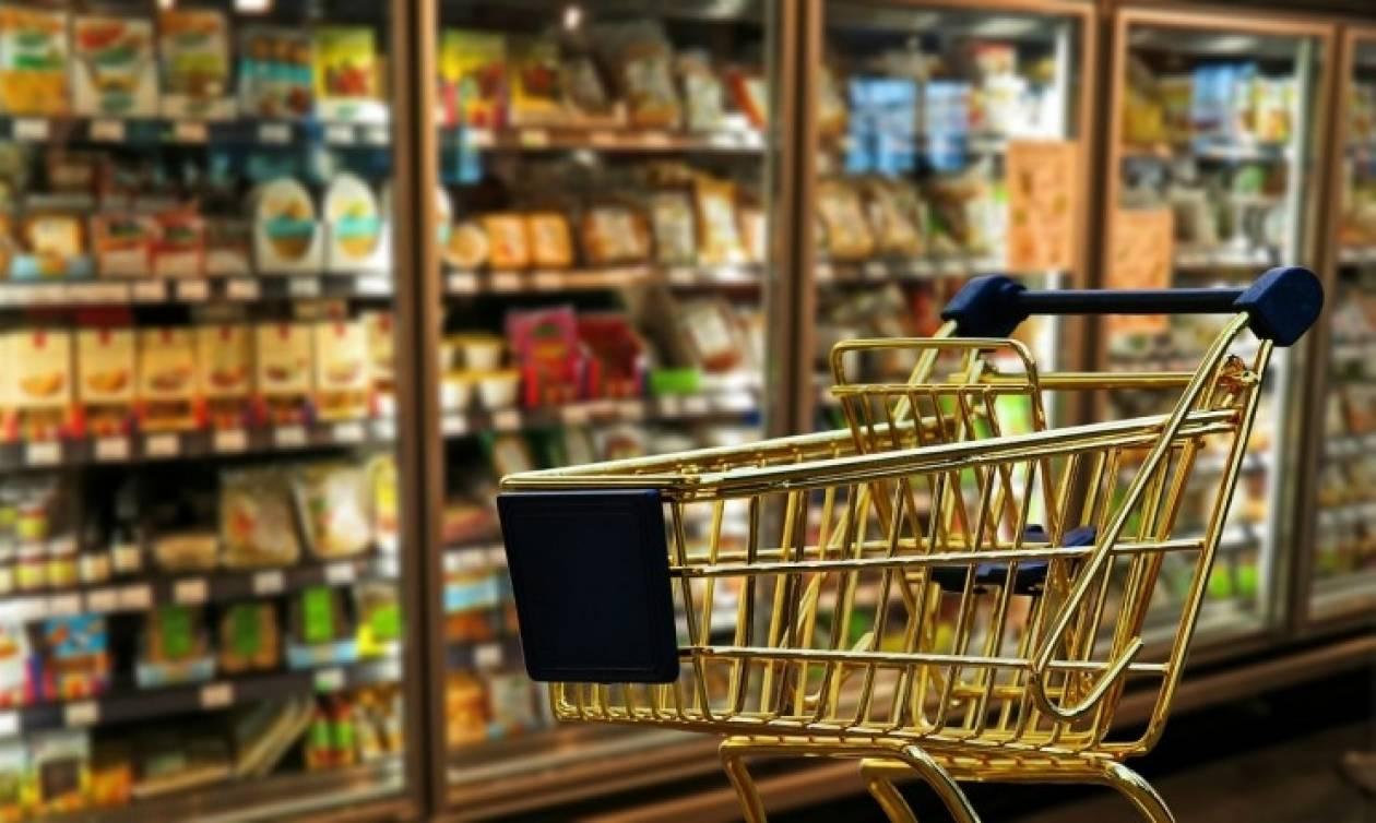 Στα όρια τους οι Έλληνες καταναλωτές - Αυξήσεις «φωτιά» σε τρόφιμα και ποτά