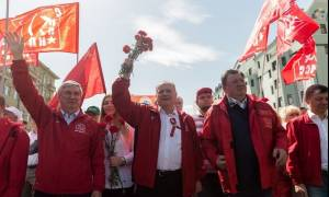 Μεγαλειώδης διαδήλωση στη Μόσχα για την Εργατική Πρωτομαγιά (photos)