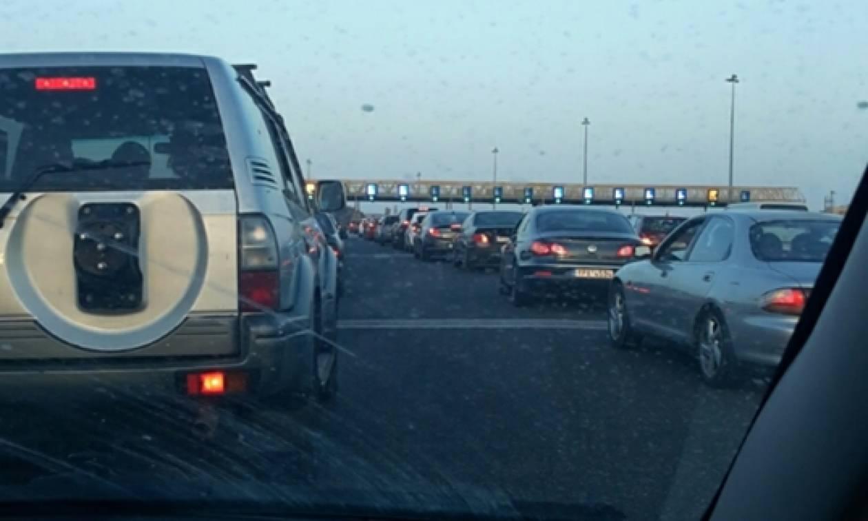 ΤΩΡΑ: Επιστρέφουν οι εκδρομείς της Πρωτομαγιάς – Αυξημένη κίνηση στις εθνικές οδούς