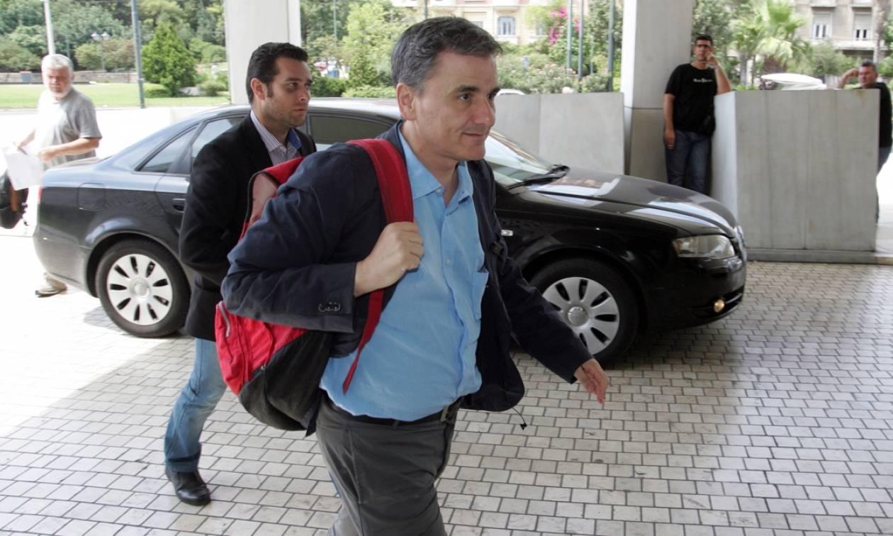 Τσακαλώτος: Υπάρχει λευκός καπνός, ολοκληρώθηκε η διαπραγμάτευση με τους θεσμούς