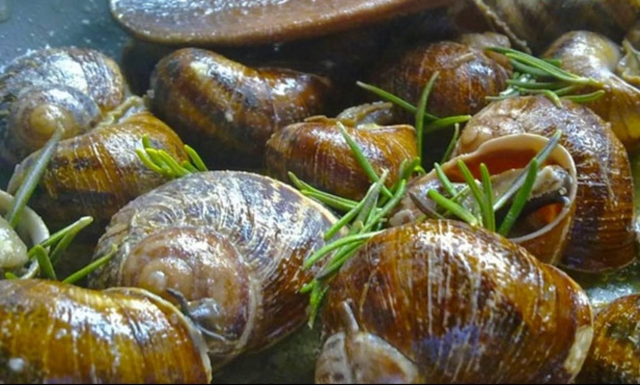 Η συνταγή της ημέρας: Ξυδάτοι χοχλιοί στο τηγάνι με άρωμα δενδρολίβανου!