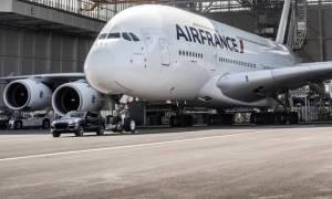 Γιατί μια Porsche Cayenne να τραβήξει ένα Airbus A380, 285 τόνων;