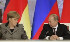 Πούτιν – Μέρκελ: Να υλοποιηθεί η συμφωνία του Μινσκ για την Ουκρανία, καμία ανάγκη για νέα (videos)