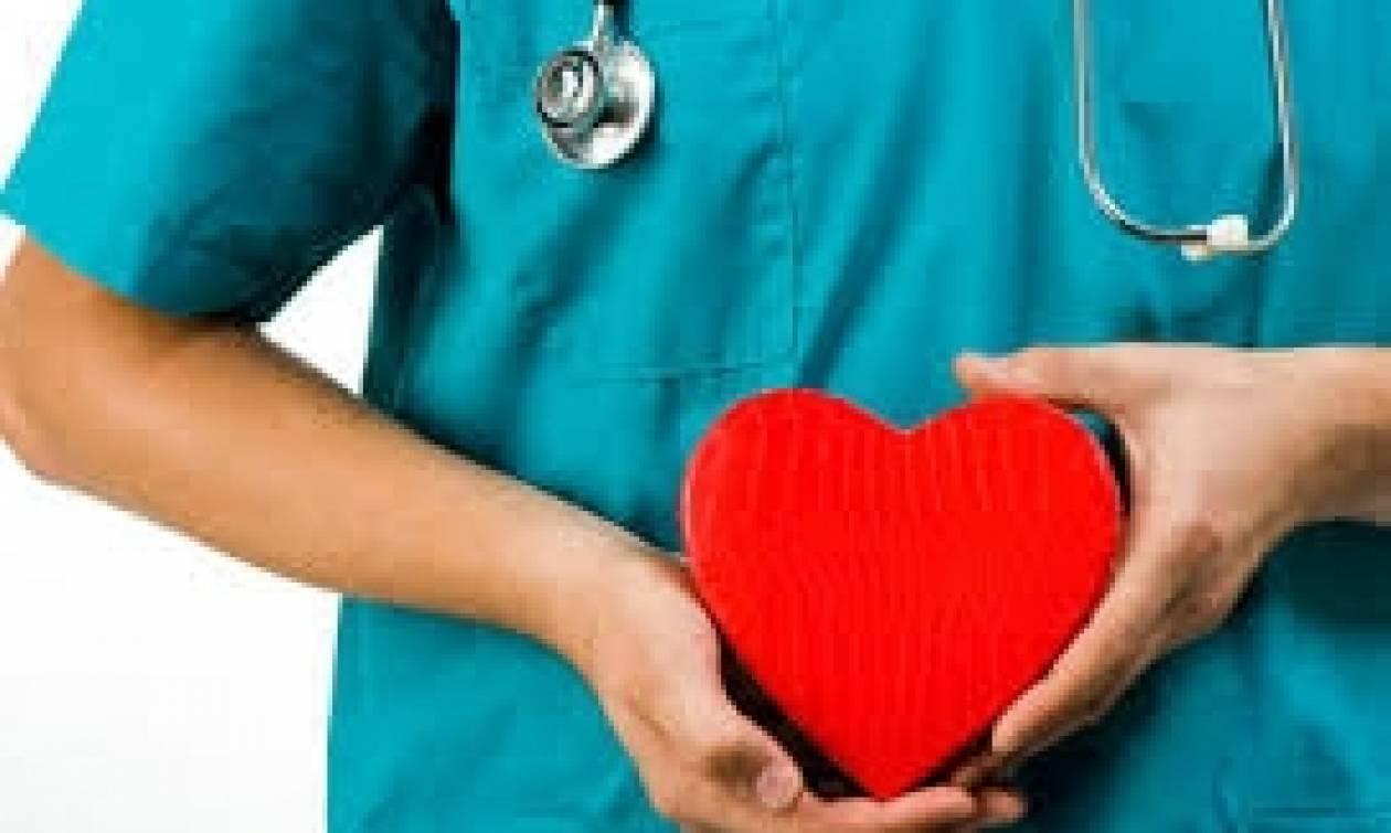 Προσοχή: Δες τι σημαίνει αν μπορείς να ακούσεις την καρδιά σου να χτυπά