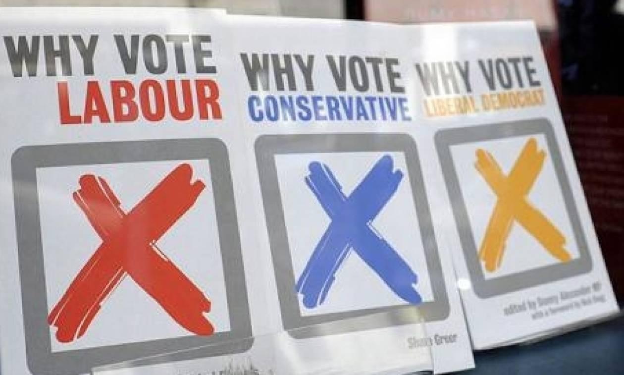 Εκλογές Βρετανία: Μειωμένο μεν, άνετο δε, προβάδισμα για τους Συντηρητικούς της Μέι