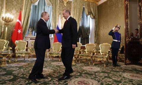 Путин и Эрдоган обсудят в Сочи двусторонние вопросы и пути урегулирования в Сирии