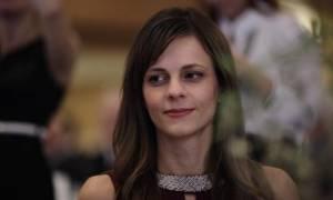 Μας δουλεύει «ψιλό γαζί» η Αχτσιόγλου: Δεν θα μειωθούν οι συντάξεις με τη νέα συμφωνία