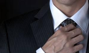 Σφιχτή γραβάτα: Ο σοβαρός κίνδυνος για την υγεία των ανδρών