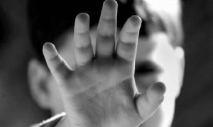 Λαμία: Στο ψυχιατρείο ο πατέρας που έκαιγε με πούρο το 2χρονο παιδί του