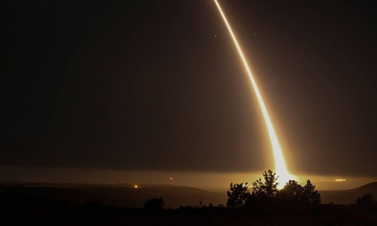 Οι ΗΠΑ στέλνουν μήνυμα στον Κιμ: Έκαναν δοκιμή πυραύλου ικανού να πλήξει με πυρηνικά τη Βόρεια Κορέα