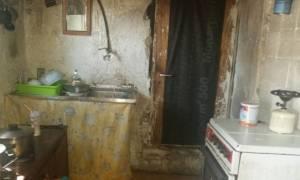 Συγκλονιστικό: Χωρίς φαγητό και ρεύμα ζει οικογένεια στη Μυτιλήνη (pics)
