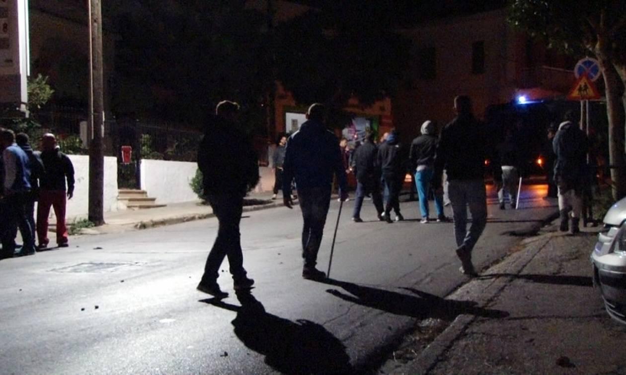 Χίος: Πεδίο μάχης η πόλη με έξι τραυματίες από συγκρούσεις μεταξύ μεταναστών