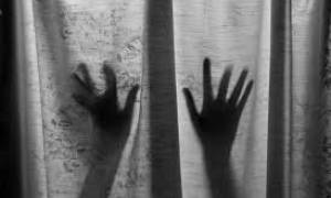 Σοκ στη Δάφνη: Οι φρικτές ώρες που έζησε η φοιτήτρια στα χέρια του «τυφλού» βιαστή της