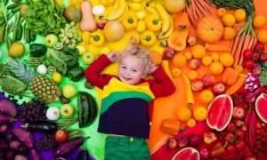 Παιδί και λαχανικά: Πέντε έξυπνοι τρόποι να τα εντάξετε στη διατροφή του