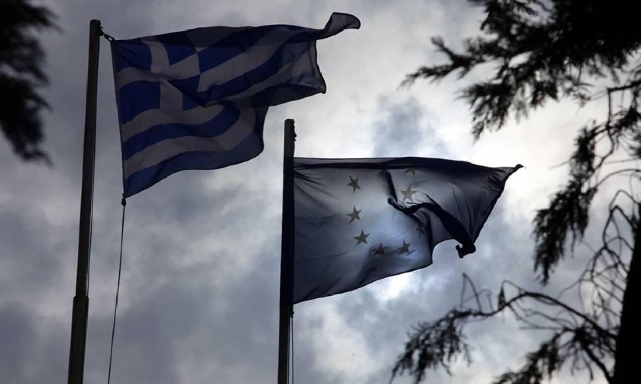 Οι Βρυξέλλες αναθεωρούν την ανάπτυξη στην Ελλάδα - Εκκρεμούν προς ψήφιση εκατό μέτρα