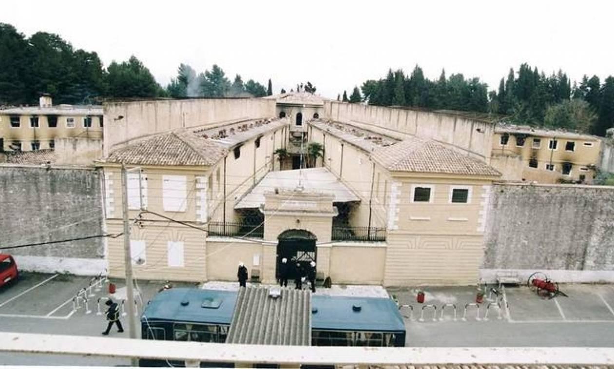 Προφυλακίστηκε αρχιφύλακας των φυλακών Κέρκυρας για δωροδοκία από κρατούμενους