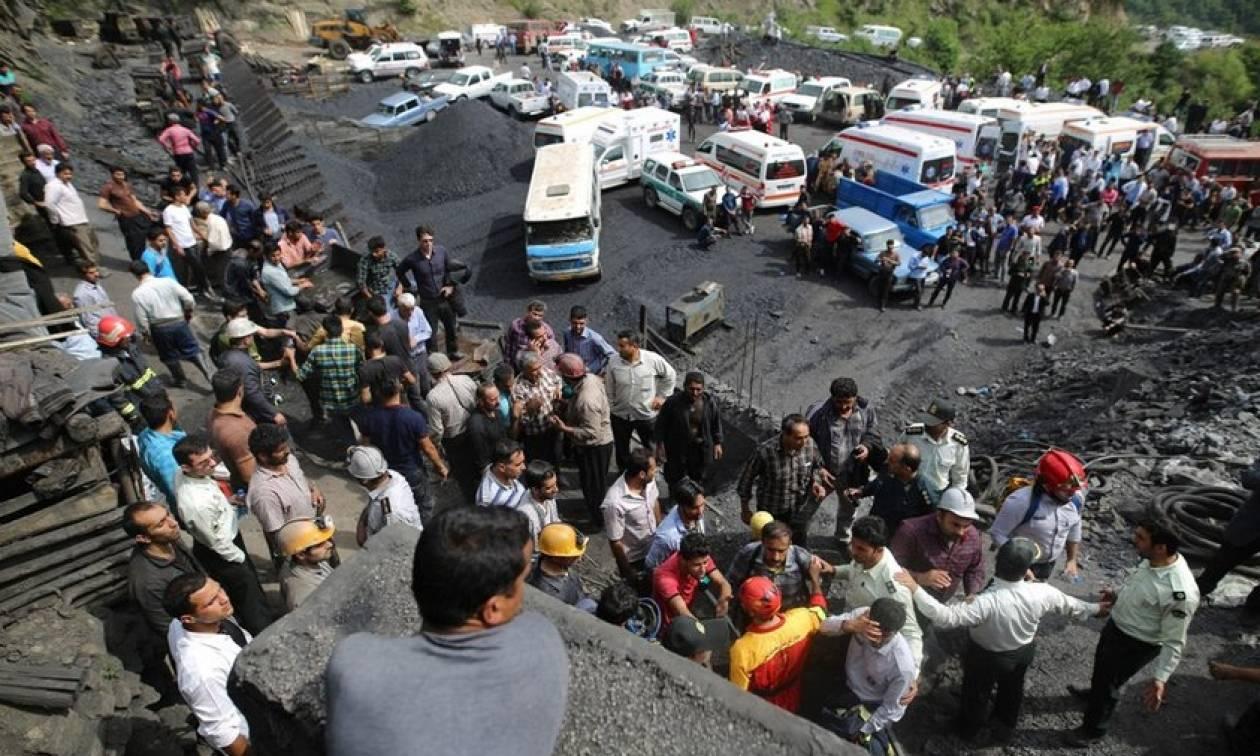 Ιράν: Έσβησαν οι ελπίδες να βρεθούν ζωντανοί οι ανθρακωρύχοι - Τους έπνιξαν τοξικά αέρια