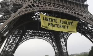 Γαλλία: Ενισχύεται η ασφάλεια στον πύργο του Άιφελ λόγω... Greenpeace (video)