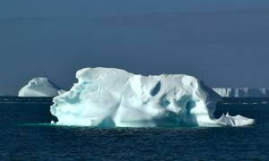 Απίστευτο: Θέλουν να ρυμουλκήσουν στα Αραβικά Εμιράτα παγόβουνο από την Ανταρκτική!