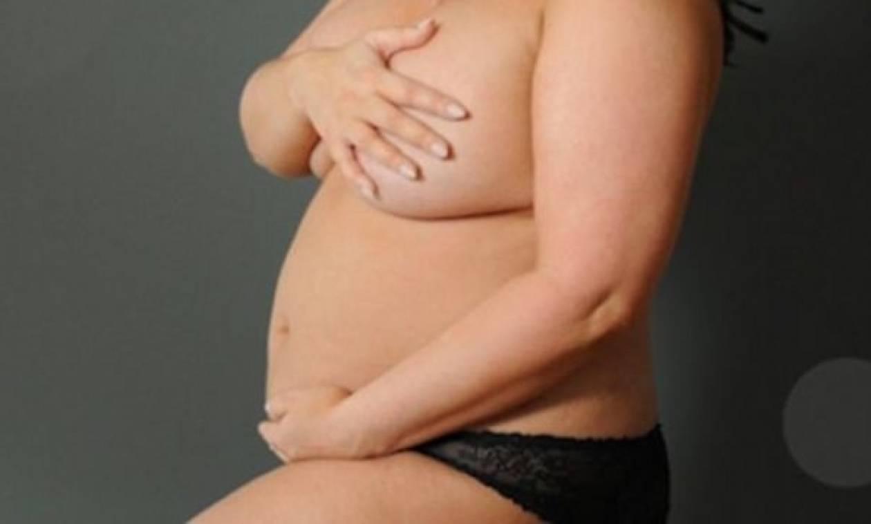 Πόζαρε α λα Demi Moore στην 23η εβδομάδα της εγκυμοσύνης της