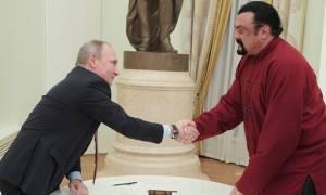 Ουκρανία: Στη «μαύρη λίστα» ο Στίβεν Σιγκάλ - «Απειλή» για την εθνική ασφάλεια (vid)