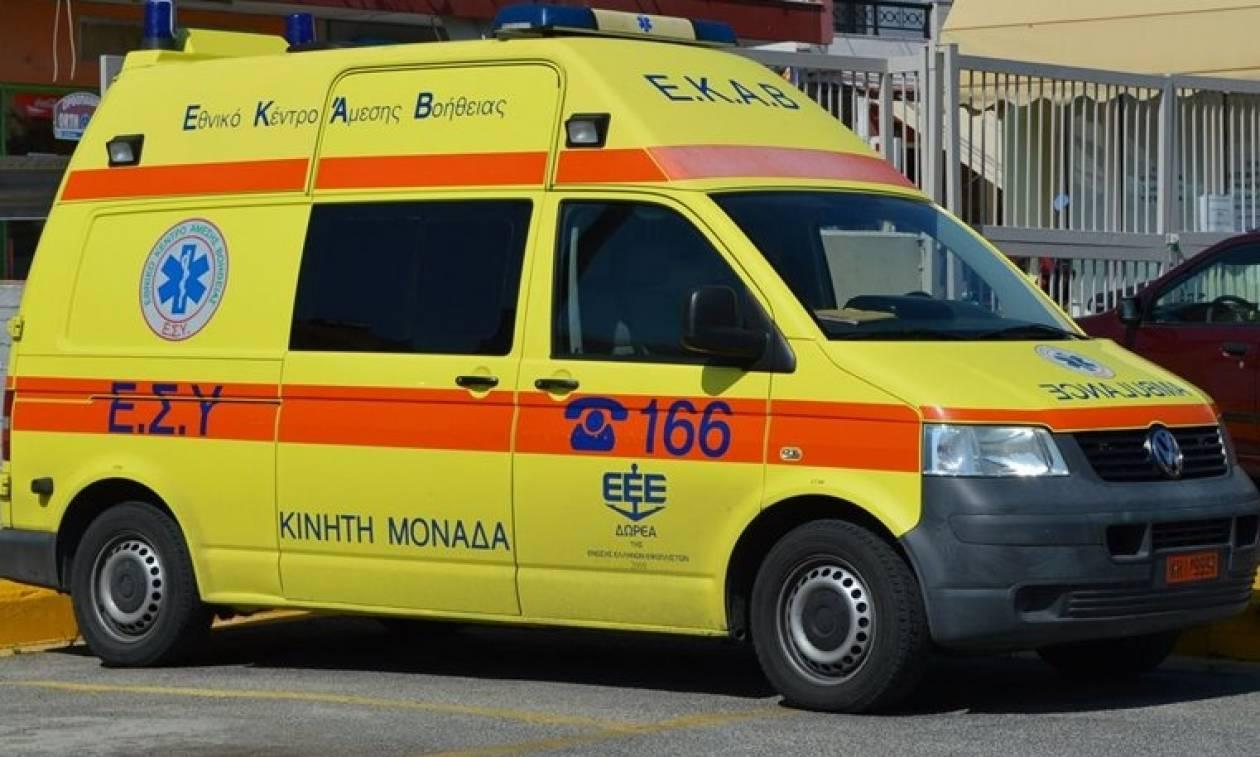 Κρήτη: Δέντρο καταπλάκωσε αυτοκίνητο - Σώθηκαν από θαύμα