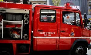 Θεσσαλονίκη: Πυρκαγιά σε εργοστάσιο εξω από το χωριό Γέφυρα