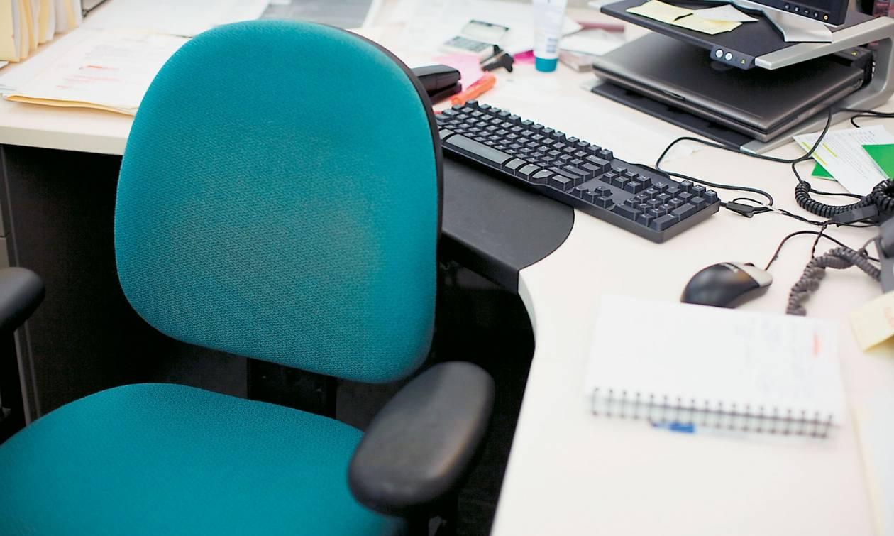 Μειώσεις μισθών και απολύσεις στις ΔΕΚΟ μέσω Υπερταμείου