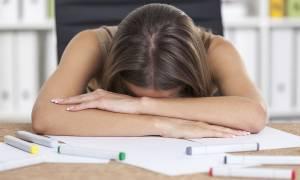 Το γρήγορο τεστ που αποκαλύπτει αν σας λείπει ύπνος
