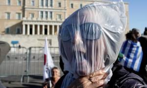 Τι νιώθετε για όσα συμβαίνουν στην Ελλάδα;