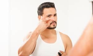 Τέσσερις συμβουλές για να εξαφανίσεις τις σακούλες κάτω από τα μάτια
