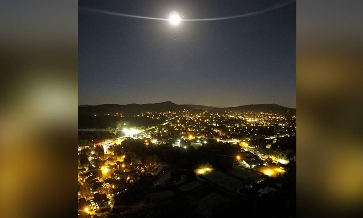 Εικόνες που κόβουν την ανάσα: Ο χορός του Δία με τη Σελήνη!