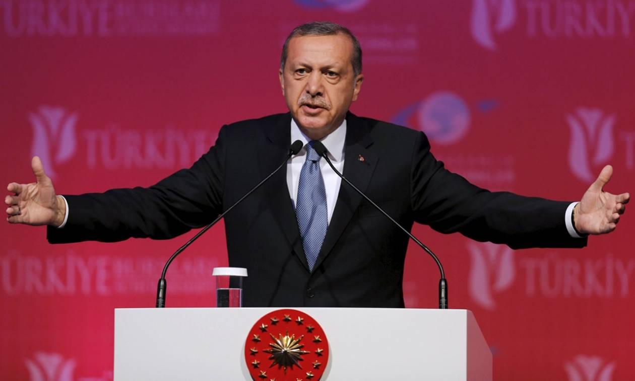 «Χαστούκι» Τραμπ σε Ερντογάν: Η Ουάσιγκτον ενέκρινε προμήθεια όπλων σε Σύρους και Κούρδους μαχητές