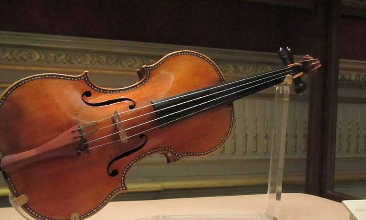 Γκρεμίζεται ο μύθος των Στραντιβάριους; Οι ακροατές προτιμούν τα σύγχρονα βιολιά!