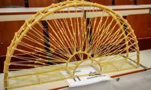 Εσύ ήξερες πως υπάρχει διεθνής διαγωνισμός κατασκευής γεφυρών από… σπαγγέτι; (pics)