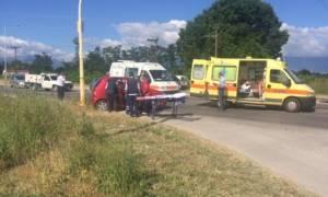 Σοβαρό τροχαίο με τρεις τραυματίες στα Τρίκαλα (pics)