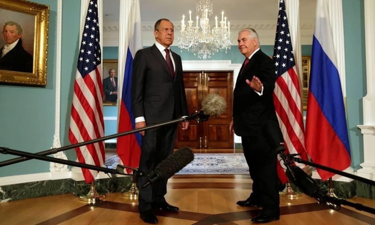Συνάντηση Λαβρόφ με Τίλερσον πριν το τετ-α-τετ με Τραμπ