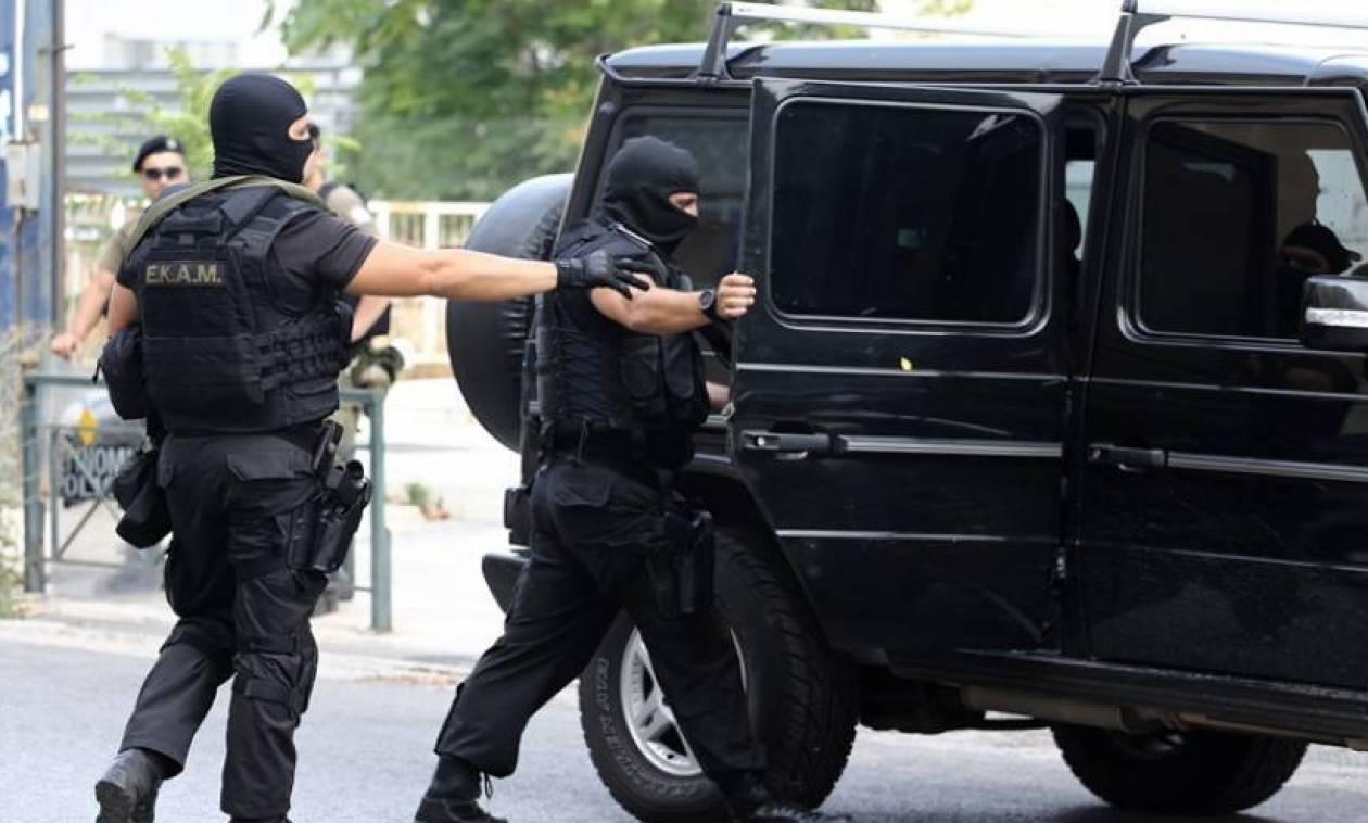 Ληστεία στην Γεωπονική: «Χτενίζει» την Αθήνα η Αντιτρομοκρατική για τον εντοπισμό του δράστη