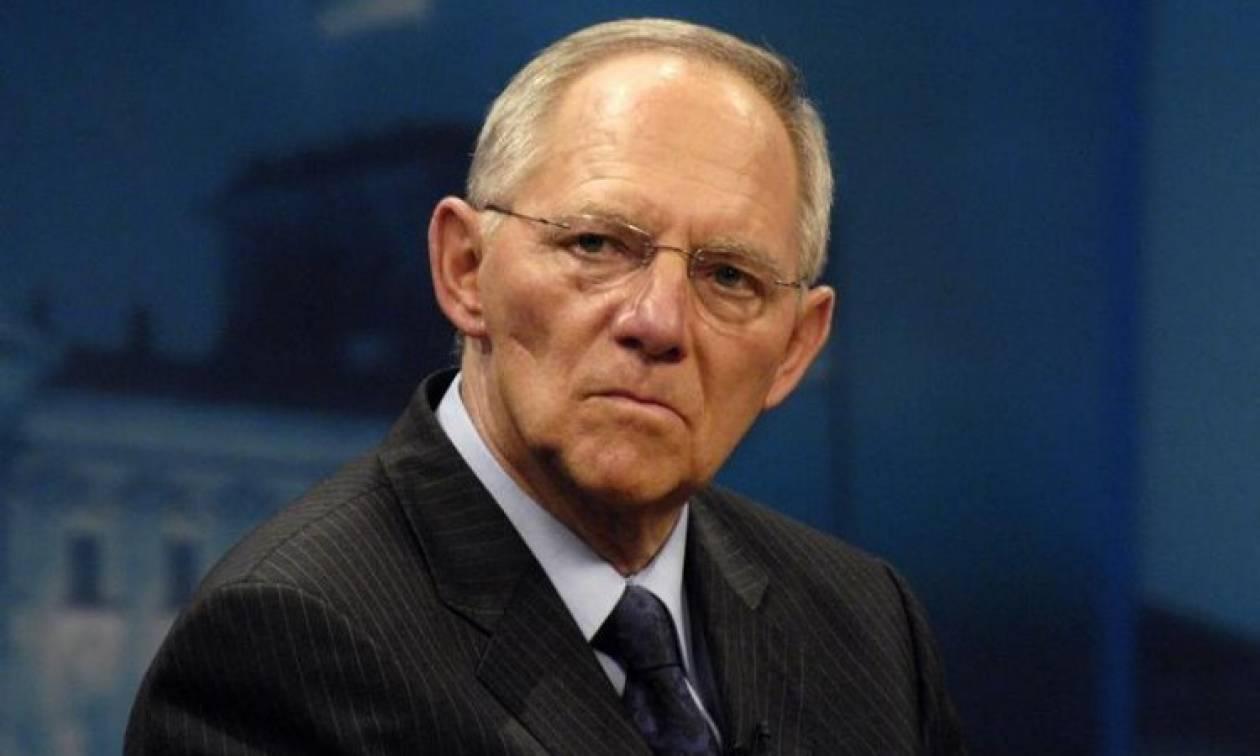 Νέο «χτύπημα» Σόιμπλε κατά Μακρόν: Οι προτάσεις του δεν μπορούν να υλοποιηθούν