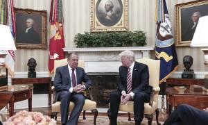 Το πρώτο βήμα έγινε: Ιστορική συνάντηση Ντόναλντ Τραμπ - Σεργκέι Λαβρόφ (Pics+Vids)