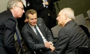 Σύνοδος G7: Μυστική συνάντηση Σόιμπλε - Τόμσεν για λύση μέχρι 15 Ιουνίου