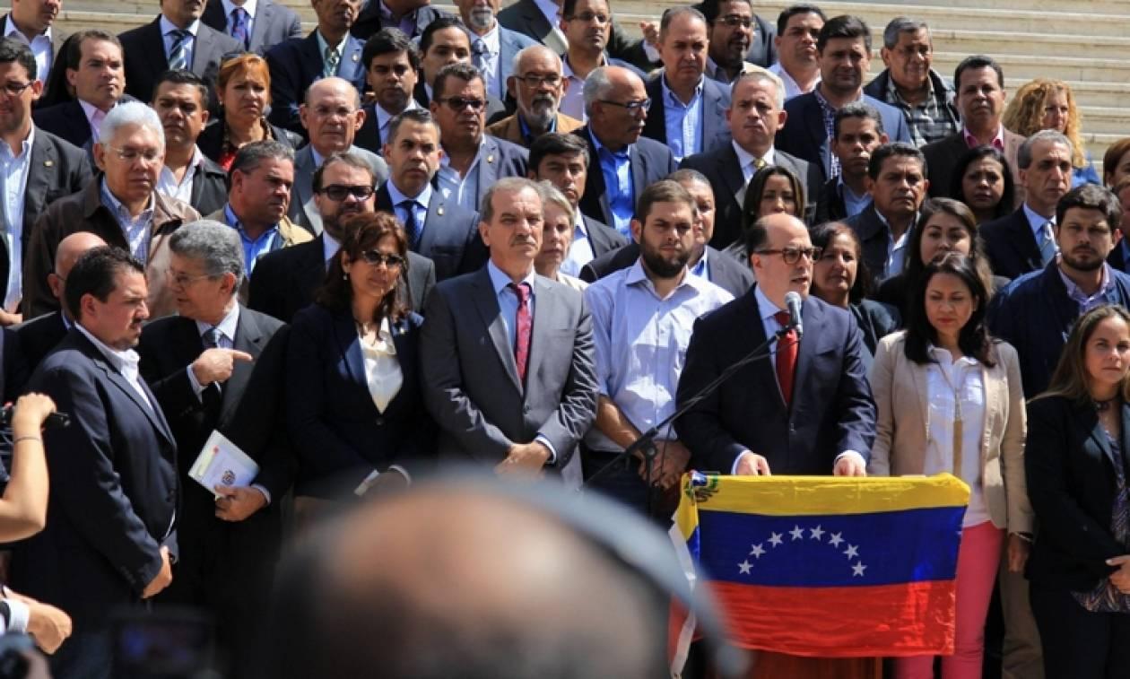 Βενεζουέλα: Η αντιπολίτευση αναζητά υποστήριξη από άλλες λατινοαμερικανικές χώρες