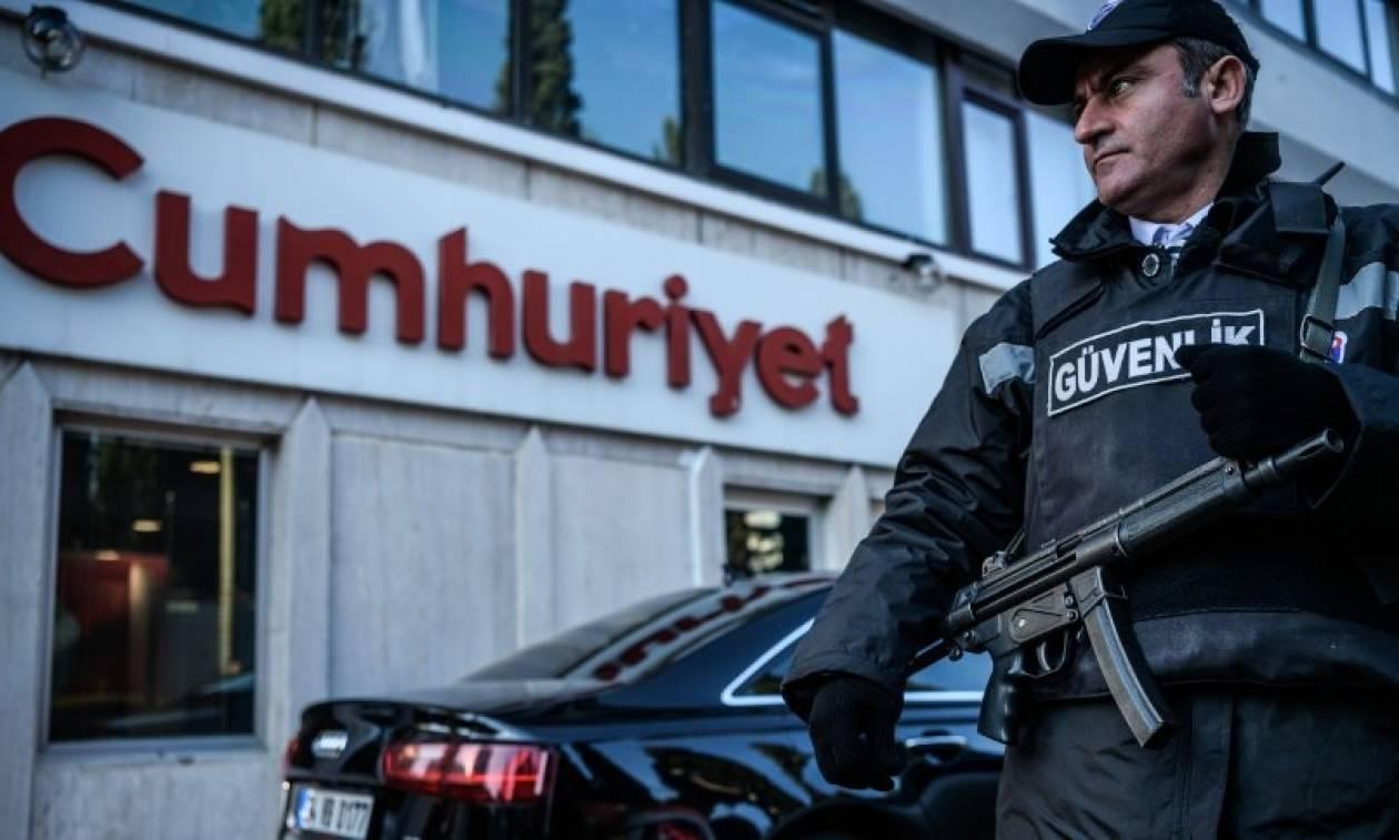 Σε καθεστώς χούντας η Τουρκία: Συνέλαβαν και τον διευθυντή της Cumhuriyet